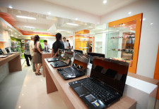 Sinhtech Supplies More Digital Devices To Vientiane