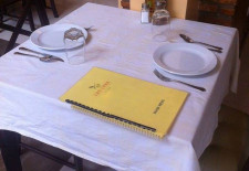 Lao Luna Table