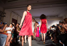 Ministry of Silk at Lao Fashion Week (photo by Mike Phetchareun )