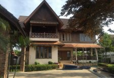 beautiful riverside house for rent in Vientiane